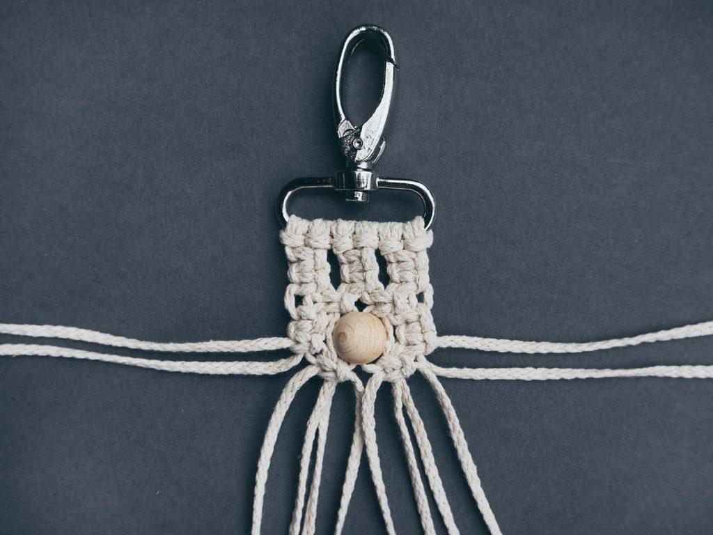 Makramee Anleitung: Versetzte Kreuzknoten knoten