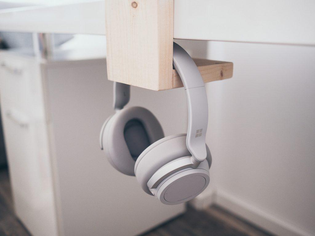Homeoffice Gadget: Schreibtisch Organizer aus Holz für Stifte, Smartphone und Kopfhörer selber machen